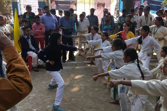 Ayesha Noor teaches self defence for girls in India